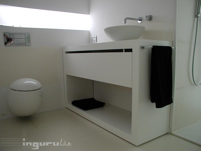 Mueble baño flotante – Ingurulan